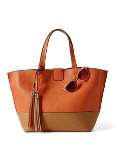 Every mom loves a chic tote (hint hint).