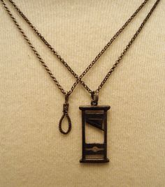 – Brille Make-up Hair Jewelry, Jewelry Box, Jewelry Accessories, Fashion Accessories, Jewlery, Arrow Necklace, Pendant Necklace, Gothic Jewelry, Grunge Jewelry