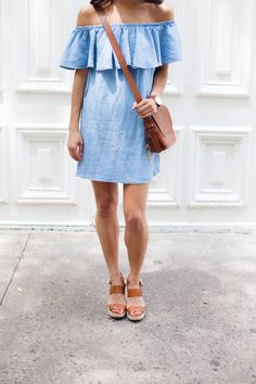 chambray off the shoulder dress, crossbody bag, summer dresses, nyc bloggers, christine petric, the view from 5 ft. 2 waysify