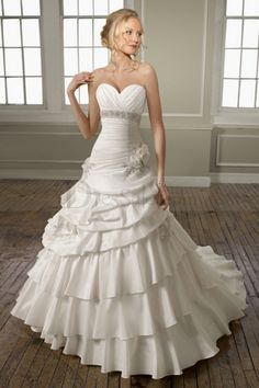 Shimmering A-line Sweetheart Wedding Dress with Pick-ups