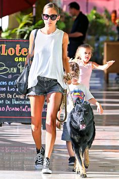 Nicole Richie took dog Ero along for a lunch outing with her adorable children.