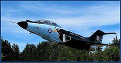Voodoo – Supersonic Interceptor Aircraft at Comox Air Base - Aircraft design Military Jets, Military Aircraft, F-14 Tomcat, Aircraft Painting, Aircraft Design, Aircraft Carrier, Vintage Design, Voodoo, Air Force