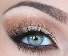 my eye makeup for tonight....stunning yay for blue eyes makeup