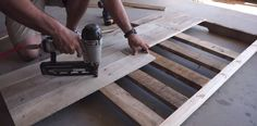 How To Build A Headboard From Pallets - Simple Step by Step Tutorial for a Rustic Bedroom: http://www.thesawguy.com/how-to-build-a-headboard-from-pallets/