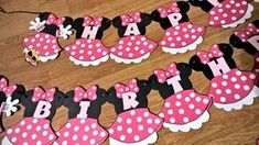 Minnie Mouse garland for birthday party