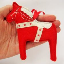 Scandinavian Felt Dala Horse Christmas Decoration Swedish | Etsy Swedish Symbols, Hygge Christmas, Scandinavian Folk Art, Swedish Style, Red Felt, Hanging Ornaments, Red And Pink, Christmas Stockings, Christmas Decorations