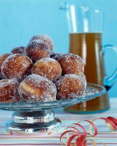 Sitruunaiset munkit Beltane, Pretzel Bites, Doughnut, Baking Recipes, Donuts, Muffin, Goodies, Food And Drink, Bread