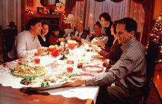 Все мы привыкли, что Рождество – это светящиеся гирлянды, елка, подарки и вкусная еда. Но, только вот во сколько все это счастье обходится в денежном