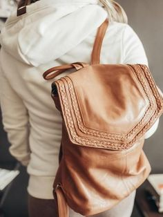 The Day & Mood Evonne Backpack. Just an all around handy gal to have around. She isn't bad to look at either. Camel Backpacks, Day And Mood, Western Look, Southwest Style, Braided Leather, Fashion Boutique, Leather Backpack, Cowboy Hats, My Style