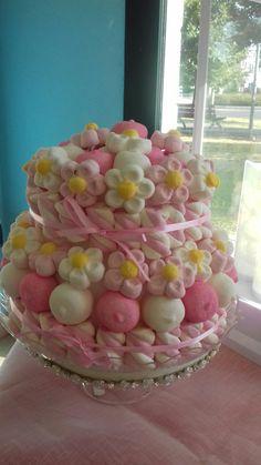 Torta bianca e rosa