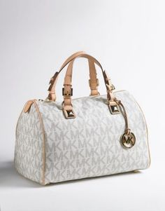 Buy Large Grayson Satchel Handbag new - Branded with a logo known around the world this ladylike Michael Michael Kors Grayson satchel. Burberry Handbags, Satchel Handbags, Louis Vuitton Handbags, Coach Handbags, Louis Vuitton Speedy Bag, Branded Handbags Online, Cheap Michael Kors Bags, Cheap Burberry, Bags Online Shopping