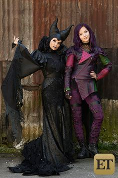 """Mal and Mom - Disney """"Descendants"""" The fact that Kristen Chenoweth is Maleficent is great The Descendants, Descendants Characters, Disney Channel Movies, Disney Channel Descendants, Descendants Costumes, Disney Movies, Descendants Videos, Descendants Pictures, Disney Cinema"""