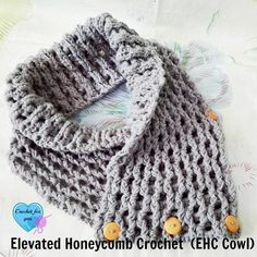 This crochet cowl pattern with Elevated Honeycomb Crochet is beautiful and looks so modern.
