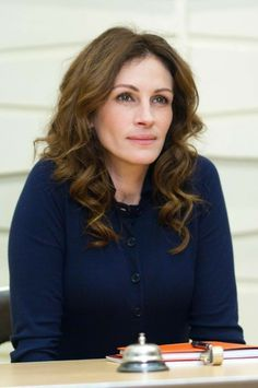 Julia Roberts Movies, Julia Roberts Style, Most Expensive Clothes, Divas, Hollywood Star, Hazel Eyes, Attractive People, Celebs, Celebrities