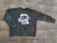 Check out this item in my Etsy shop https://www.etsy.com/uk/listing/499381546/betty-boop-sweatshirt-vintage-jumper