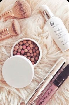 Limited Edition Bronzing Pearls❕A Beautiful combination of colors for all skin colors & types. These highlight, contour, bronze & blush for a sun kissed glow. Simply swipe & enjoy your look! Limited Quantities thru May 9❕ #bronze #blush #contour #highlights #glowingskin #makeup #makeuptutorial #makeuplover #skincare #beautyproducts Nu Skin, Bronzing Pearls, Broad Spectrum Sunscreen, Makeup Tips For Beginners, Tinted Moisturizer, Color Correction, Makeup Junkie, Glowing Skin, Beauty Care