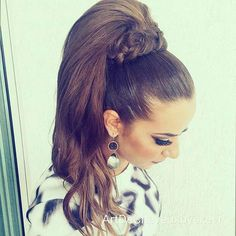 10 Ponytail Hairstyles Pretty Posh Playful Vintage Looks You pertaining to size 1080 X 1080 Vintage Ponytail Hairstyles - People having ponytail, High Ponytail Braid, High Ponytail Hairstyles, Elegant Ponytail, High Ponytails, Short Hair Updo, Hairstyles With Bangs, Wedding Hairstyles, Wedding Ponytail, Half Updo