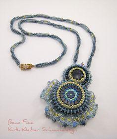 Romantische blau goldene Glasperlenkette mit von BeadFizz auf Etsy