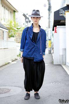 [Yohji Yamamoto Sarueru Harlem Pants] April77 & Hat in Harajuku #streetstyle #denimshirt #harlempants Brands: April77, Yohji Yamamoto