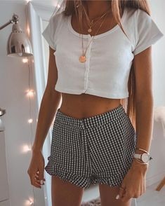 Awesome 37 Simple Outfits Ideas For Everyday. More at www. , For More Fashion Visit Our Website cute summer outfits, cute summer outfits outfit ideas,casual outfits Awesome. Cute Summer Outfits, Cute Casual Outfits, Simple Outfits, Spring Outfits, Casual Summer, Summer Ootd, Amazing Outfits, Fashionable Outfits, Casual Winter