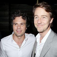 Mark Ruffalo and Edward Norton --- the two Hulks.pssshhh nobody's comparing them or anything XD but if you insist, I prefer the one on the left X) Mark Ruffalo, The Incredible Hulk 2008, What's My Line, Eric Bana, Edward Norton, Bruce Banner, Cinema Movies, Famous Men, Music Tv