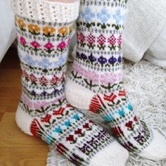 Wool Socks, Knitting Socks, Knitting Projects, Mittens, Crochet, Awesome, Fabric, Christmas Themes, Stars