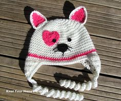 This Valentine's Kitty Hat is a cute to wear to school anytime. I can picture this in our Modern Baby yarn. Check out the crochet pattner by @KYNcrochet