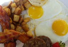 inTop 5 Breakfast Places In Mississauga Food Places, Breakfast Dishes, Recipe Of The Day, Cravings, Sausage, Rolls, Eat, Bread Rolls, Sausages
