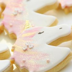 In love with these unicorn cookies #cronulla #cronullacakes #sugarcookies #unicorn #unicorncookies #white #pink #watercolour #gold #party