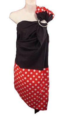 Ring sling. Fait au Québec à la main avec amour.  ✄Tissu noir : 55% lin, 45% viscose ✄Tissu rouge pois blancs : 100% coton Lin noir avec pointe et