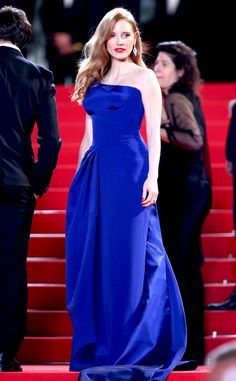 Jessica Chastain looks absolutely breathtaking in this gorgeous blue gown!
