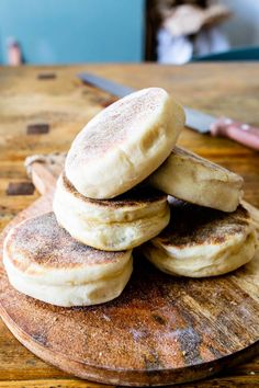 English Muffins | Sophia's Kitchen Chocolate Custard, Chocolate Recipes, Breakfast Time, Best Breakfast, Raspberry Lemon Cakes, Thermomix Bread, Sticky Date Pudding, Tasty Videos, English Muffins