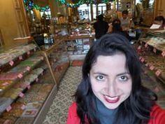 En la ciudad de México los dulces se dan hasta en los arboles. Dulceria Celaya
