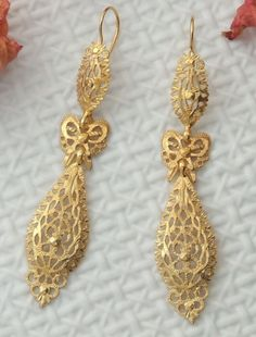"""Gold plated sterling silver 925 earrings. King's style. Portuguese filigree. """"Brincos à rei"""", Viana do Castelo."""
