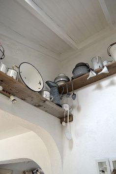 Vintage Antiques, Vintage Items, Vintage Enamelware, Prim Decor, Vintage Kitchen, Granite, Home Kitchens, Track Lighting, Old Things