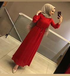 YENİ ELBİSEMİZ ❤️ Muslim Women Fashion, Arab Fashion, Islamic Fashion, Hijab Gown, Hijab Dress Party, Hijab Elegante, Estilo Abaya, Modele Hijab, Hijab Trends