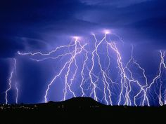 One heck of an electrical storm - Pixdaus