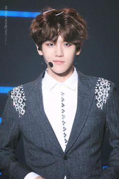 whats with that smirk byun baekhyun