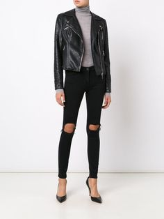 https://www.farfetch.com/lu/shopping/women/3x1-ripped-jeans--item-11750970.aspx?storeid=9068