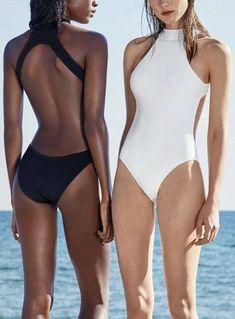 White Swimsuit, One Piece Swimsuit, Beach Please, Swimsuit Material, Mode Blog, Beachwear, Swimwear, Cute Swimsuits, Summer Bikinis