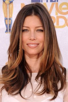 Jessica Biel Ombre hair Over Ombré hair colour? Follow these steps to go back to the dark side... at home!