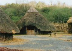 This round house style is what Celtic Irish families lived in. Kings, or the tuath (tribe) chieftain would live in a larger roundhouse, such as Garreth and Ceara in Forbidden Fate Early Christian, Green Architecture, Celtic Art, Round House, Dark Ages, Faeries, Touring, Places To See, Medieval