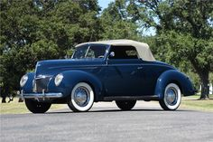 Sold* at Scottsdale 2017 - Lot #1015 1939 FORD DELUXE CABRIOLET