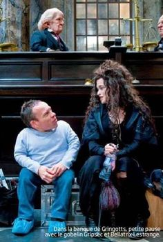 behind the scenes of DH2 via: http://www.snitchseeker.com/ Harry Potter - Warwick Davis and Helena Bonham Carter