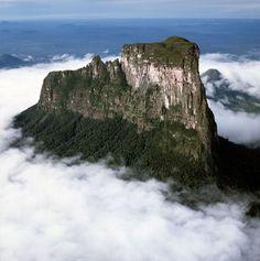 Aerial image of tepuis showing Mount #Autana (Cerro Autana), Amazonas territory, #Venezuela, South America picture: Robert Harding World Imagery/Alamy