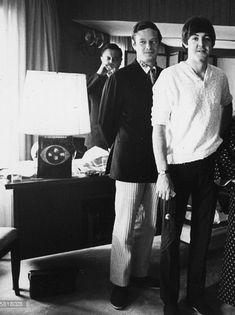 """Paul McCartney and Brian Epstein, Japan, "" The Beatles 1, Beatles Band, Beatles Photos, John Lennon Beatles, Beatles Songs, Great Bands, Cool Bands, Blackadder Quotes, The Quarrymen"