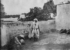 Rabat  Kasba des Oudaïas  Kasba des Oudaïas, femmes indigènes devant leur demeure  1916.04.19