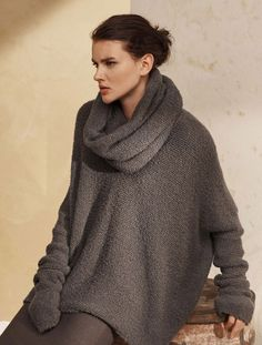 Composed of textured cloud cashmere, this sweater is a twist on a classic with its relaxed shape and rounded shoulders. The beauty is in its simplicity, as this piece is designed to be worn again and again in myriad ways.