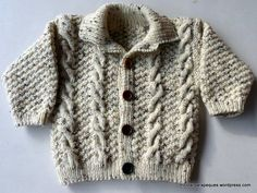 Lovely cardigan for winter. Modelo 16 – Tricotar para peques – Knitting for kids Crochet Boys Sweater Pattern Free, Baby Boy Knitting Patterns, Knitting For Kids, Knit Baby Sweaters, Boys Sweaters, Winter Sweaters, Kids Winter Jackets, Kids Clothes Sale, Kids Clothing Brands