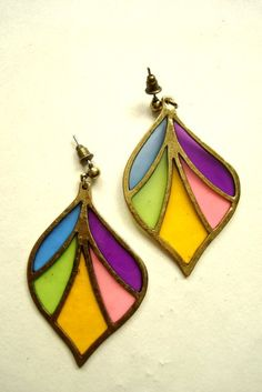 Why don't more brands make stained glass jewelry? I think it's fabulous.